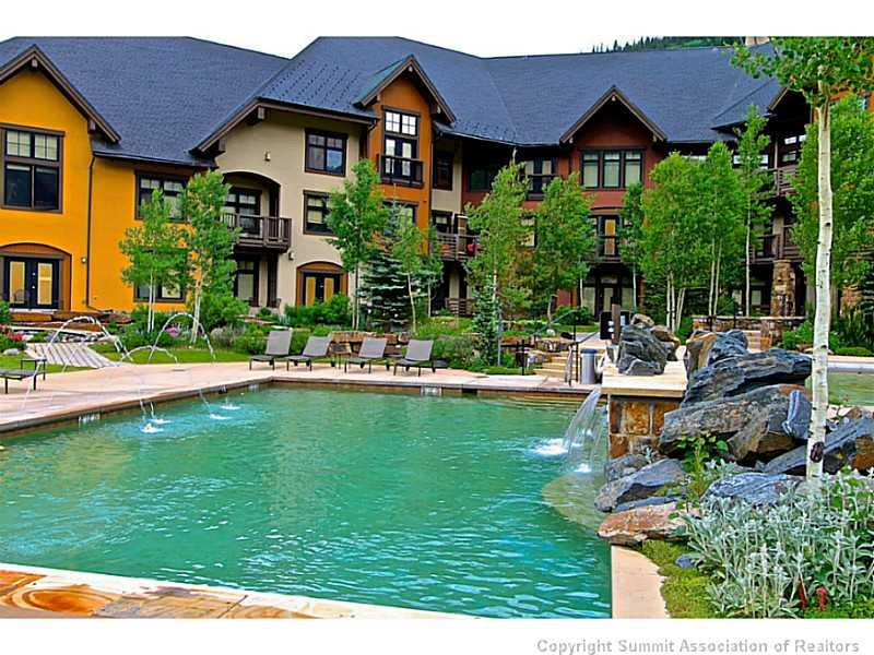 Swimming Pool/Hot Tub/Sauna. The Cirque offers a fully snow-melted pool courtyard with pools, a hot tub, natural gas grill and epic views!