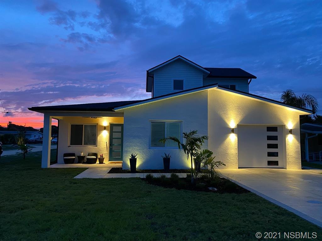 818 E 25th Avenue, New Smyrna Beach, FL 32169