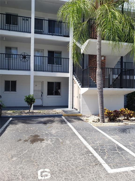 2047 Canal Drive L6, Bradenton, FL 34207