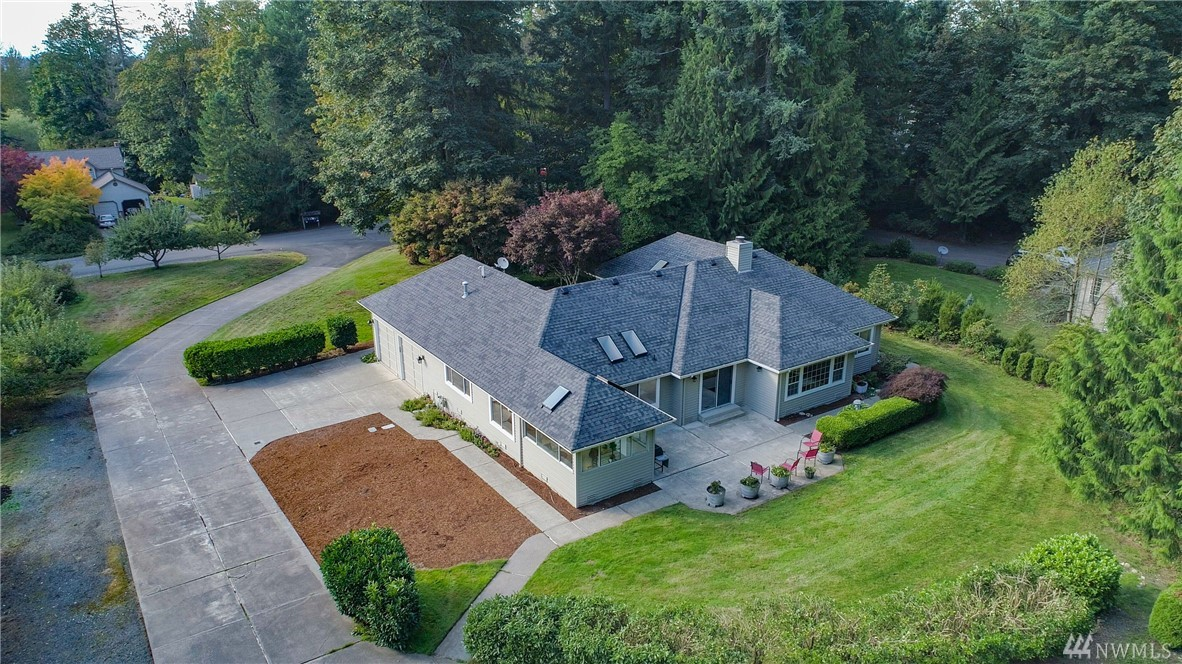 Custom-built rambler on 1.1 acres situated on a cul-de-sac in desirable Union Ridge Estates. This well maintained 3 beds + den home features a bright kitchen with a large island, generous storage, breakfast nook, sunroom, A/C & invisible fence. Updates include a newer roof, furnace, insulation, interior & exterior paint & more. Don't miss the 28x24 heated shop with RV/Boat carport & plenty of parking for all your toys. Fantastic location,no HOA, just minutes to dt Redmond, schools & shopping!