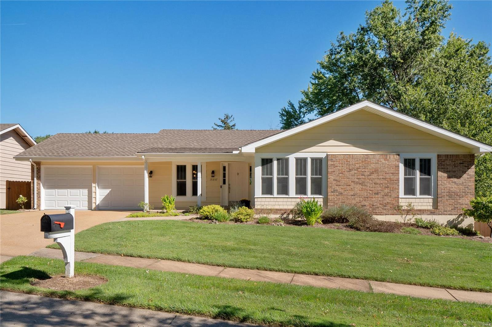 15357 Thistlebriar, Chesterfield, MO 63017