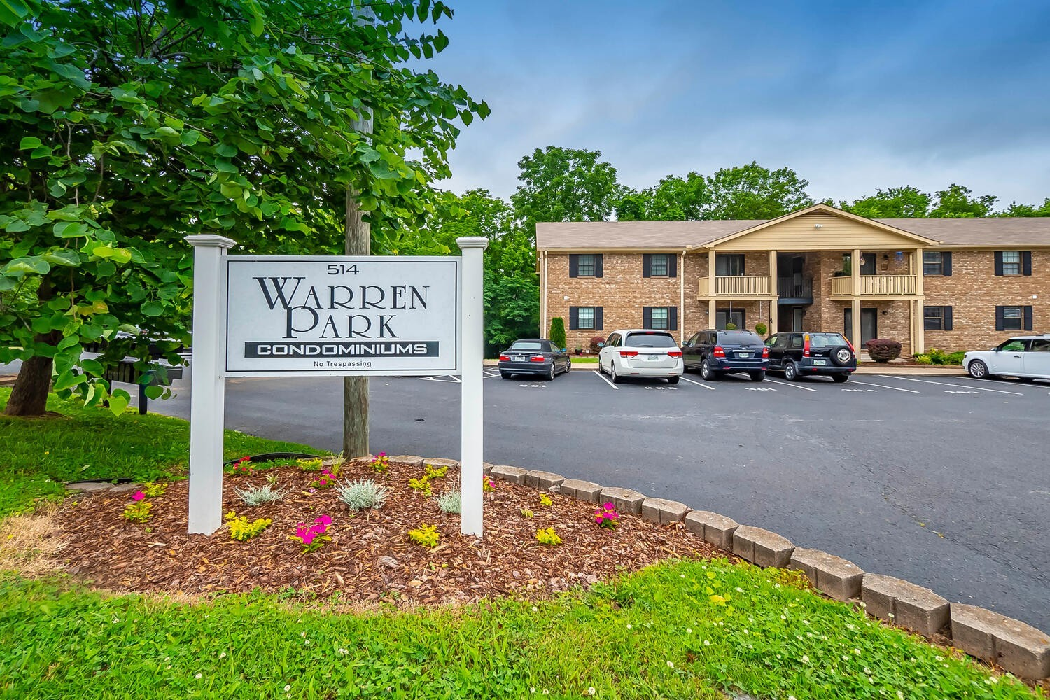 Gorgeous Renovated Main level Condo is walking distance to Downtown Franklin. Great buy for investors! Potential long term rental for $1600-1750/month. Reason for move: seller had injury and needed to move to handicap accessible living. Buyer and Buyers agent to verify all important information. Current home warranty will transfer with the sale.
