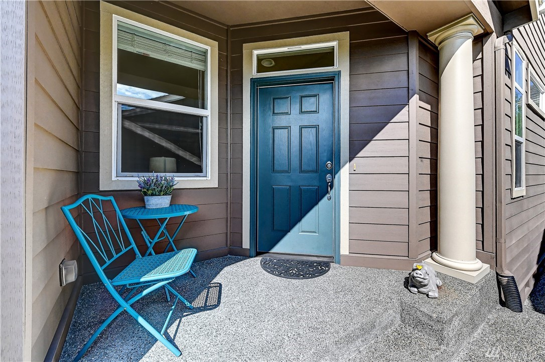 Live the good life in this immaculate Chelan model home & enjoy all the wonderful amenities that Trilogy has to offer. The easy living great room floor plan is perfect for everyday living or hosting a crowd. Tall ceilings and an abundance of windows create a light & airy living space. Island kit opens to living rm w/gas FP. Owner's suite w/walk-in closet & private bath. Guest BR/office.*Central A/C*BBQ deck*2-car gar*Freshly painted interior & new carpet throughout. 55+ and ARCH covenants apply.