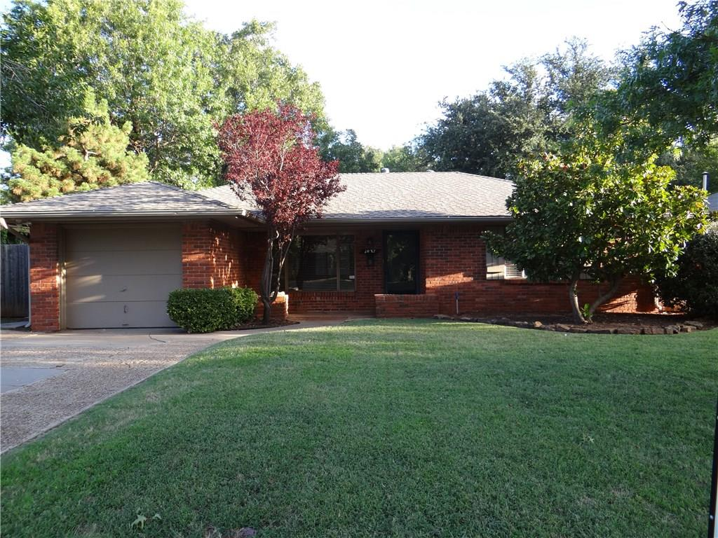 Well maintained home in Nichols Hills with 3 beds and 1 full bath.  Living and dining room combination with wood parquet floors throughout.  Currently leased.  Need 24 notice to show.