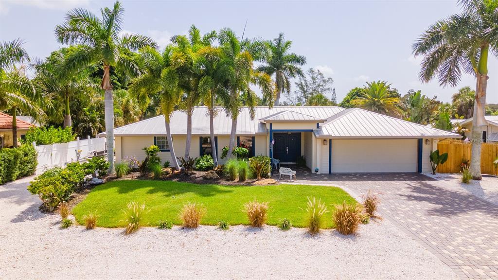 5041 Sandy Shore Avenue, Sarasota, FL 34242