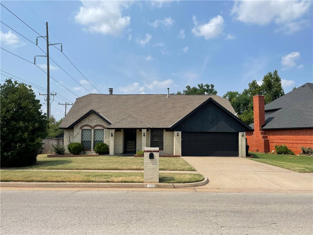 Come see this 3 bed, 2 bath with study and pool in Edmond. Can't beat the location of this home. Edmond Schools.