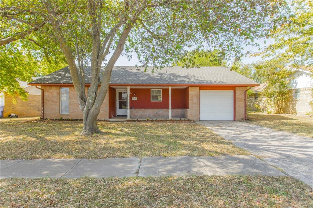 Really nice home with sweet front porch on cul de sac with new roof, new flooring, fresh paint & granite counters in kitchen.  This is a hard to find 4 bedroom at this price point!  Excellent condition & ready for you to just move in!  New AC unit & coil with one year warranty!