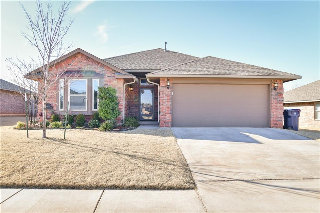 MUST SEE!! This open floor plan is a spacious 3 bed 2 bath that is loaded out with over $16,000 worth of upgrades!! Granite counter tops in kitchen, 8-10FT ceilings, crown moulding, designer paint, wood floors, tile and carpet throughout, corner fireplace, Living room has surround sound speakers, covered patio with plug for a hot tub, spacious master bedroom offers separate walk in closets, double vanity sink, soaker tub. WON'T LAST LONG!!!