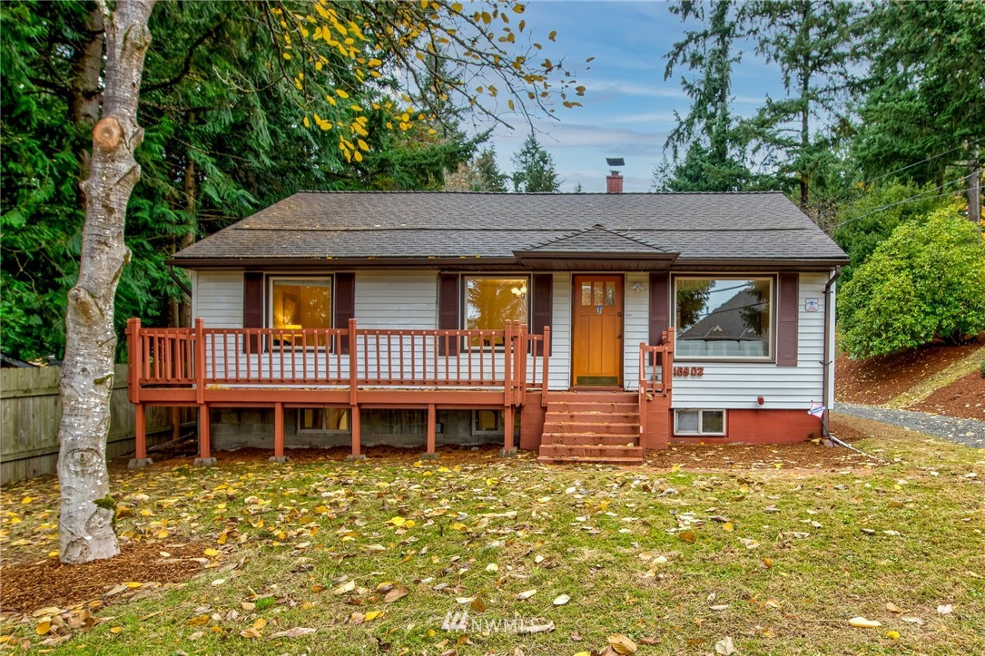 LOCATION! Rare opportunity to revitalize this charming home or take advantage of this over 10,000/SF level lot to build your 5,000+/ SF dream home in the highly sought after lower Education Hill! Neighborhood heavily sprinkled with new custom homes. Close to Microsoft, Google, AT&T and an easy walk to Redmond Town Center. Located in the excellent Lake Washington School district, this is the one that you have been looking for!!