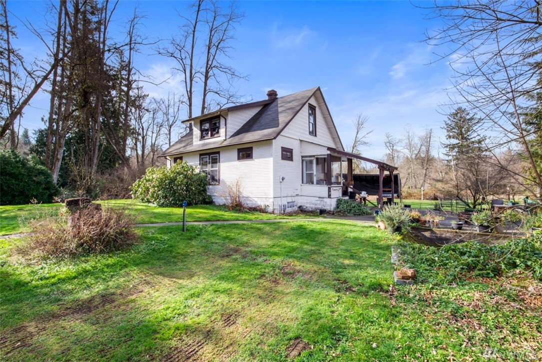 ATTENTION BUILDERS/INVESTORS AND HOME BUYERS!!! Fix-up and live in small house while you build your Dream Home!  Beautiful, private 5.13 acre lot. Easy access to Issaquah, Hobart, and Maple Valley via I90, I405, WA169, and WA18.  All feasibility completed, almost ready for permits. CAD, wetland delineation, Geotech, etc. completed.  Septic/well design, and prelim building plans completed.  Total of 6 lots and 32 acres available!