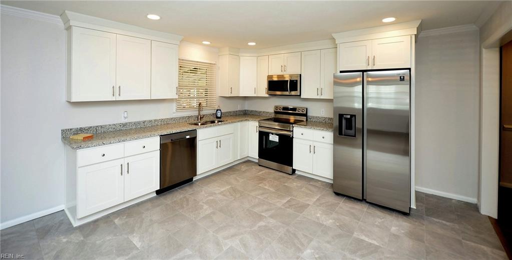 1221 Willow Avenue, Chesapeake, VA 23325