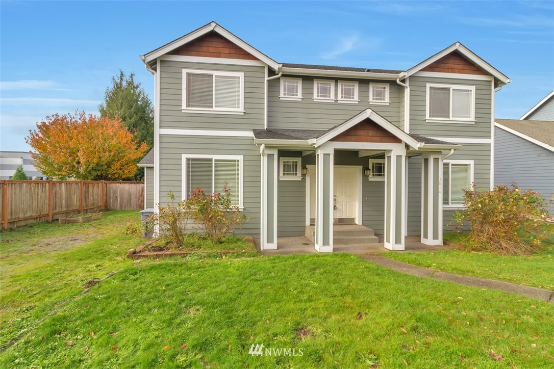 Great location just outside of Downtown Sumner. minutes to HWY's 167 & 410 and commuter train.  This beautiful 3130 foot home has 5 large size bedroom, 5th bed room could be use as big bonus room, den/office on the main level, high end millwork, granite counter tops, open kitchen and dining with butler bar, hardwood floors, coved celling, 5 piece master bath with 2 walk-in closets, 3 car oversize garage and RV parking, covered front and back patio, sprinkler system.  Fresh interior paint, new wood flooring upstairs, brand new refrigerator.  This home is a must see!