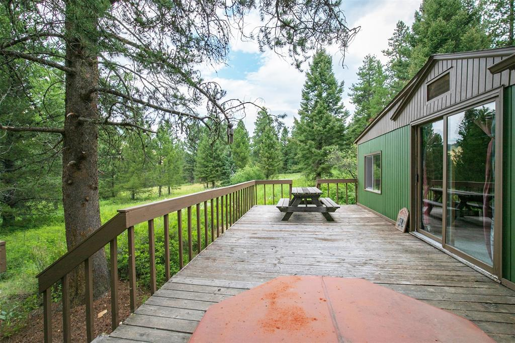 Located in the Gallatin National Forest, the owner has a Special Use Permit For Recreation Residences. Sits on .49 acres and the cabin is approximately 946 square feet. The cabin has a full bath, 2 bedrooms and a washer dryer. Forest Service requires new leaseholder to own a primary home as permit is for season use only. Perfect for the recreationist and outdoorsperson. Seller is licensed real estate agent in Kentucky. Land permit expires 12/31/28, renews in 20 year increments. Within walking distance to the Gallatin River