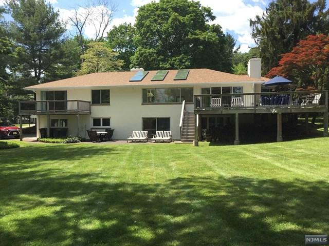 898 Pines Lake Drive, Wayne, NJ 07470