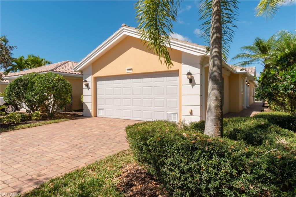 15386 Queen Angel WAY, BONITA SPRINGS, FL 34135