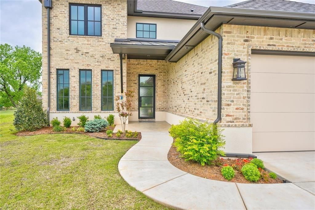 What a dream! Great appeal from arrival. Sitting on the golf course, lounge in a relaxing, large, open living room with 15 foot sliding glass doors! Chef's kitchen, hickory wood floors, gas range, quartz counters. Master bed and study downstairs -- 3 bedrooms and bonus room upstairs! Lawn care maintained by the HOA. Refrigerator, sprinkler system, tankless water heater, large laundry! Too many builder bonuses to list!