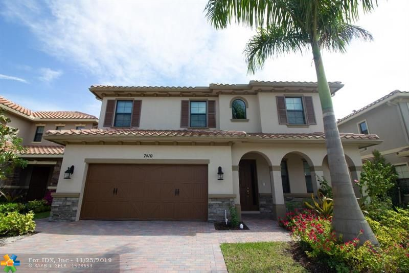 GORGEOUS 4/3.1, EVERYTHING BRAND NEW. BE THE FIRST TO ENJOY THIS TRANQUIL PARADISE, PERFECT FOR YOUR FAMILY. NEAR SOME OF THE BEST SCHOOLS IN BROWARD COUNTY, TOP OF THE LINE GE APPLIANCES, WOOD FLOORS, AND A LARGE LOFT UPSTAIRS—THIS HOUSE WAS BUILT WITH A SUPERIOR QUALITY THAT ENHANCES SOPHISTICATION AND CONVENIENCE. HOA IS A CHEAP $165.00 A MONTH. SEE IT BEFORE IT'S GONE!