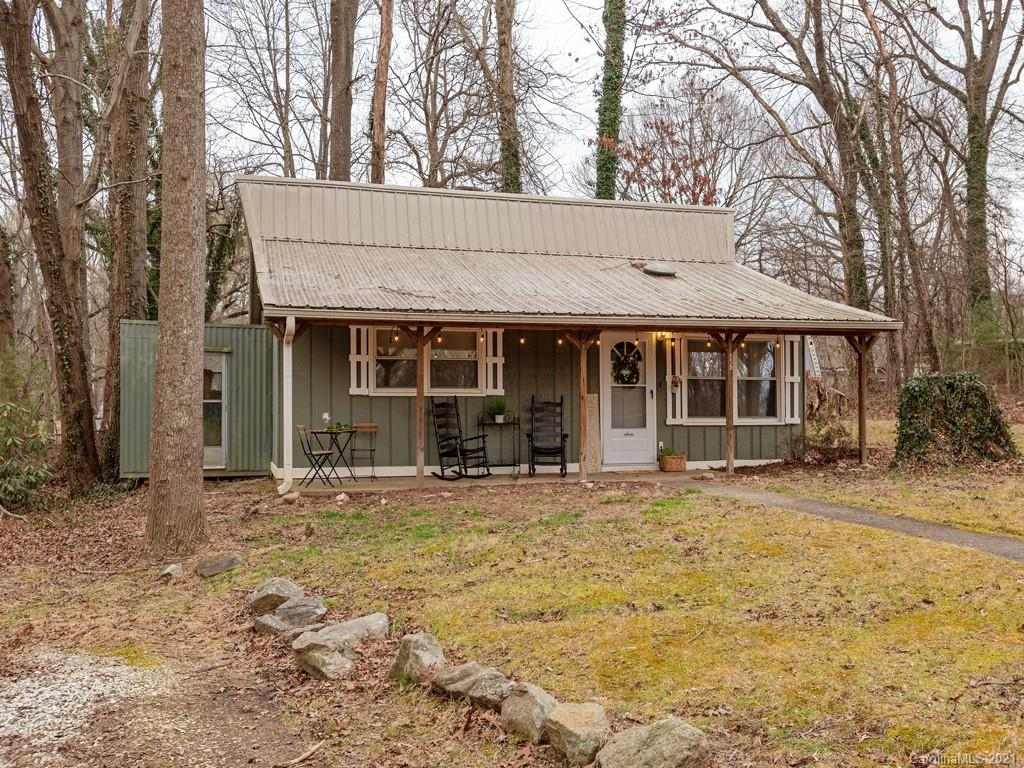 16 Donothan Drive, Arden, NC 28704