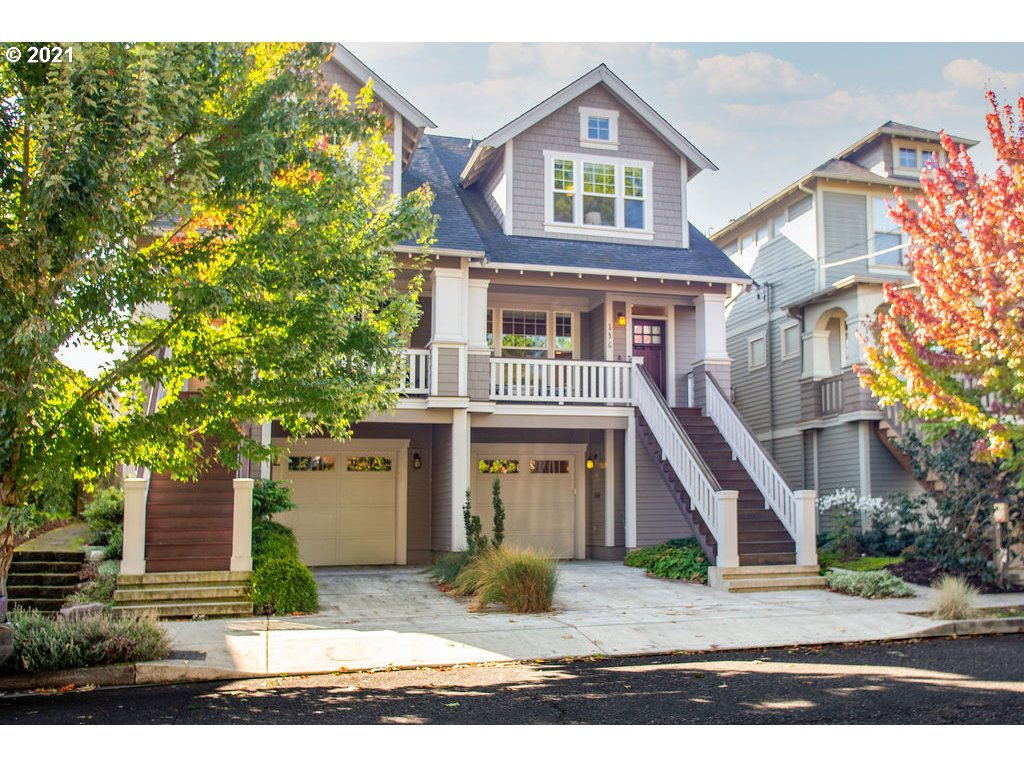 """Modern Craftsman townhouse w/stunning custom details only seen in $Mil+homes! Be amazed by quality & thoughtful design. Box beams, blt-ins, oak floors both levels! 3 spacious Bedrms, incl guest ste, 3.5 beauty Bas! Entertain in your 4star """"gourmet bistro"""" style kit; marble prep island/eating bar, wine cooler, pantry, SS pro applcs, gas range, double ovens, abundant prep space & storage. Open dining room. Enjoy Pro-landscaped private secret garden, two porches, O/s att Gar, Popular urban loc! [Home Energy Score = 9. HES Report at https://rpt.greenbuildingregistry.com/hes/OR10194890]"""