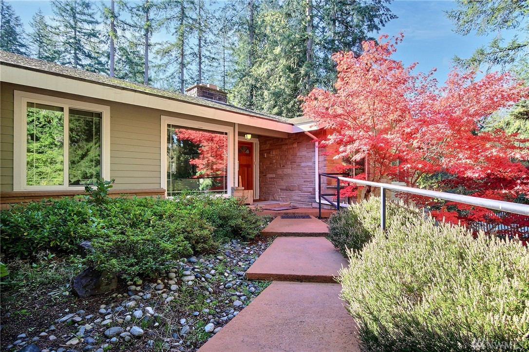This nice home located in Sammamish is perfect for extended living. Consist of  2 kitchen 2 Livingroom, 2 Family Rooms, 3 FP. 2 separate entrances total of  6 bedrooms/3.75 bath. (Upper: 3 bdrm & kitchen& Laundry+2 bath & Lower Level: 3 bdrm finished level with 1.75 bathrooms& laundry. Currently used as an Adult Home Care Facility. Large lot 27,704 SF. Corner lot. Double pane windows. rent below. Corner lot, on septic. Amazingly huge lot in Prime Location! In a closely newer development area.