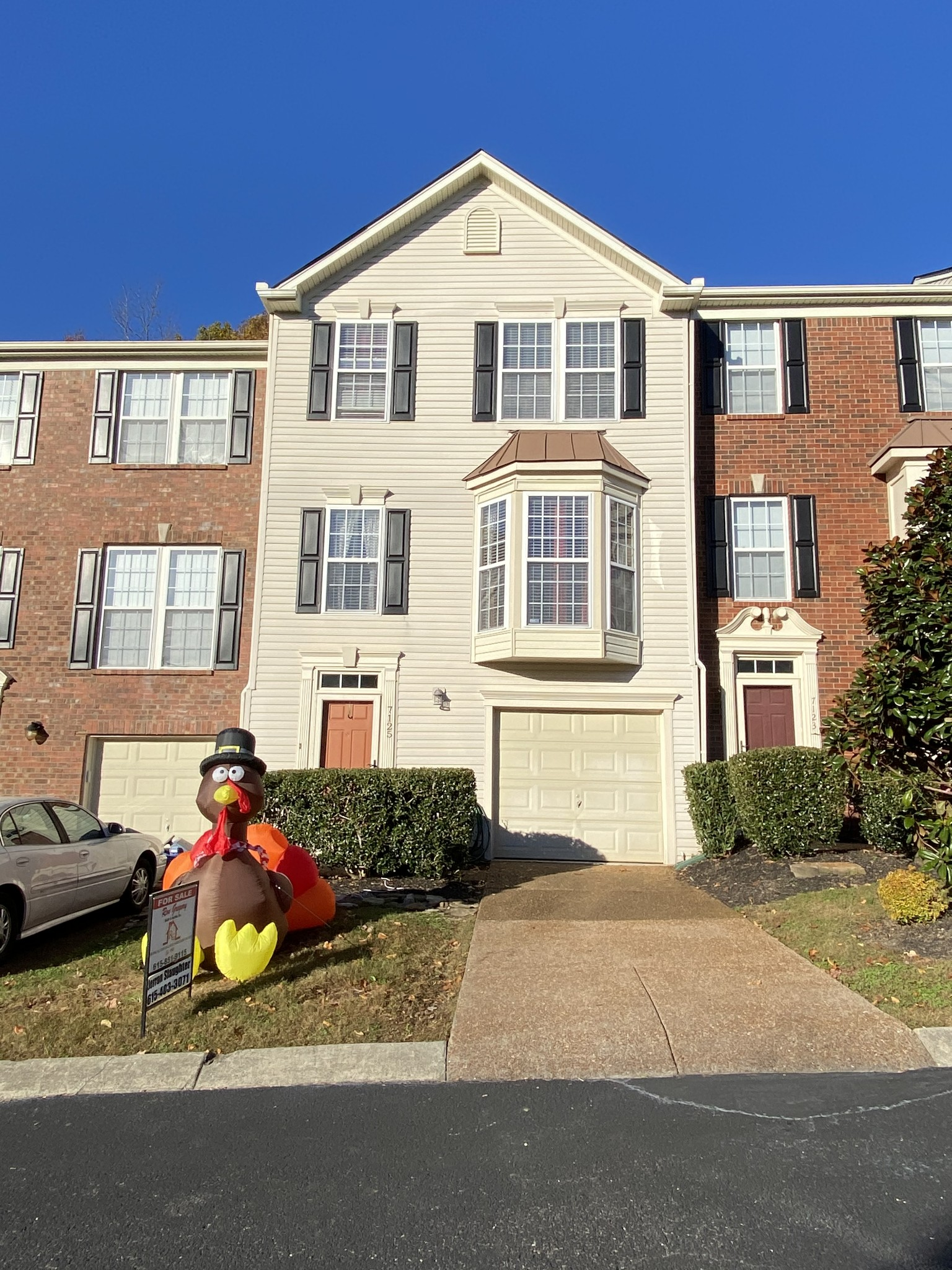 Beautiful 3 Bedroom 2 And Half Bath Completely Renovated Tri Level Condo In Nice Quiet Neighborhood.2000Sq With Attached Garage And Patio. Hardwood Floors Quartz Counter Tops, Stainless Steel Appliances In Kitchen With A Modern Backsplash. Living Room With Gas Fire Place, Bonus Room & Den. Community Swimming Pool .With In Walking Distance of Bowie Park.