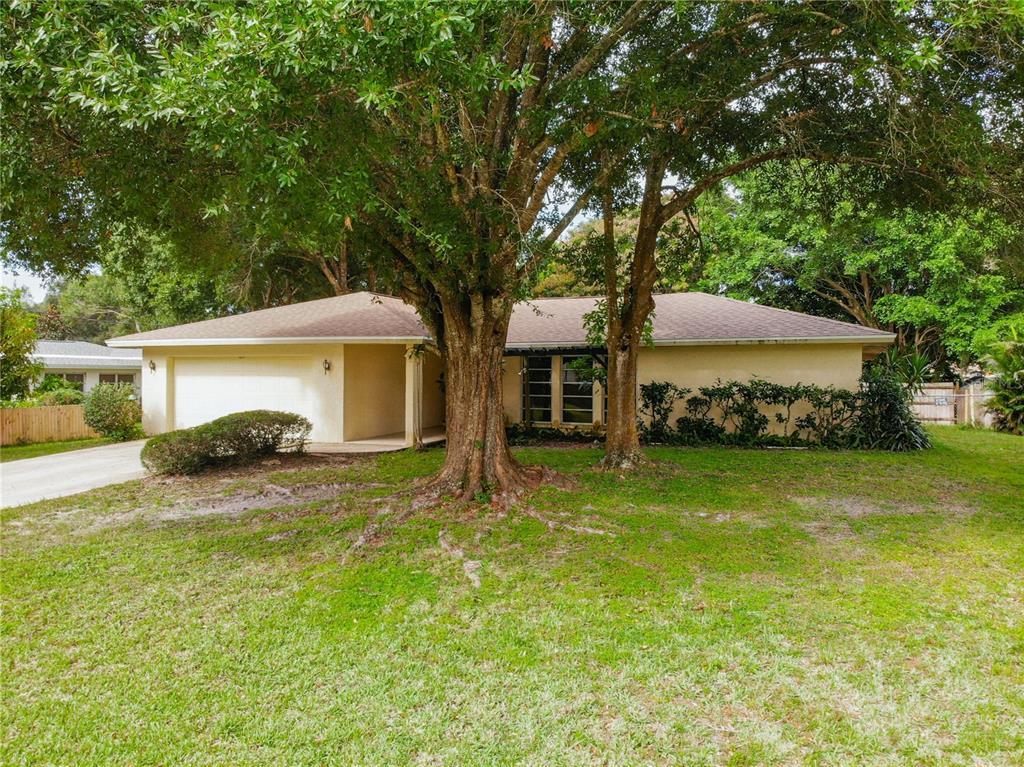 2726 Amanda Drive, Sarasota, FL 34232