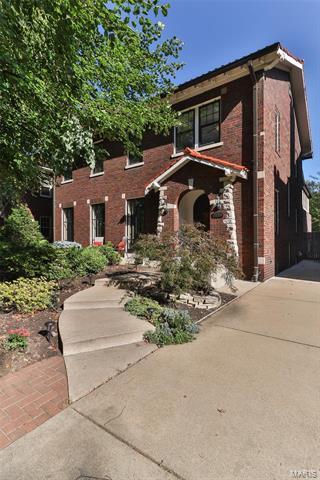 7159 Westmoreland Drive, University City, MO 63130