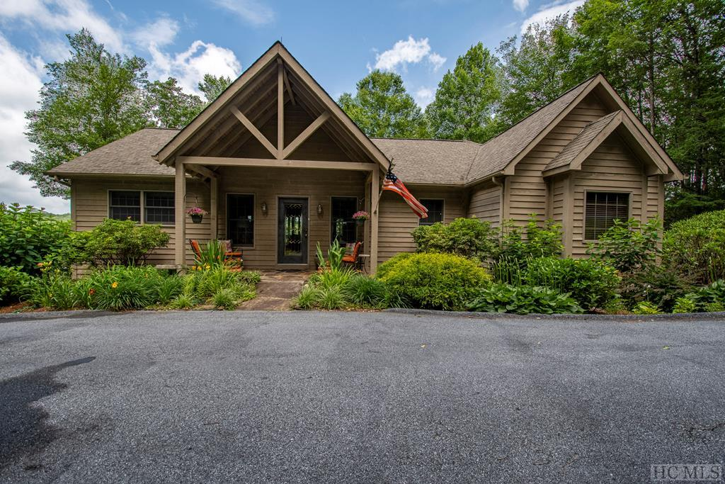 75 Rhododendron Dr, Highlands, NC 28741