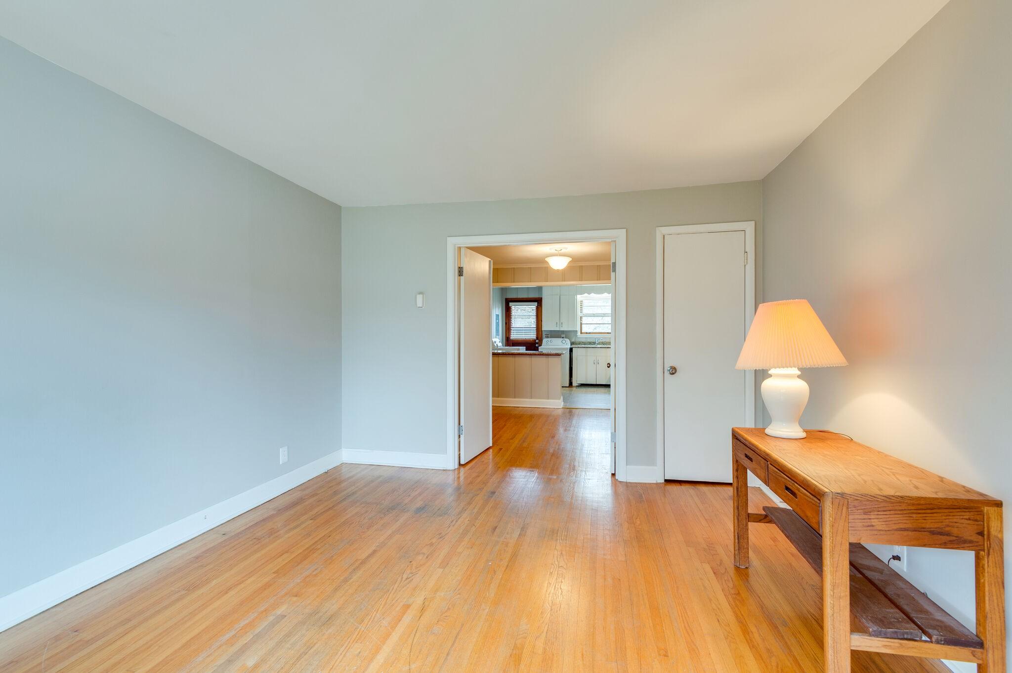 4018C Woodmont Blvd C