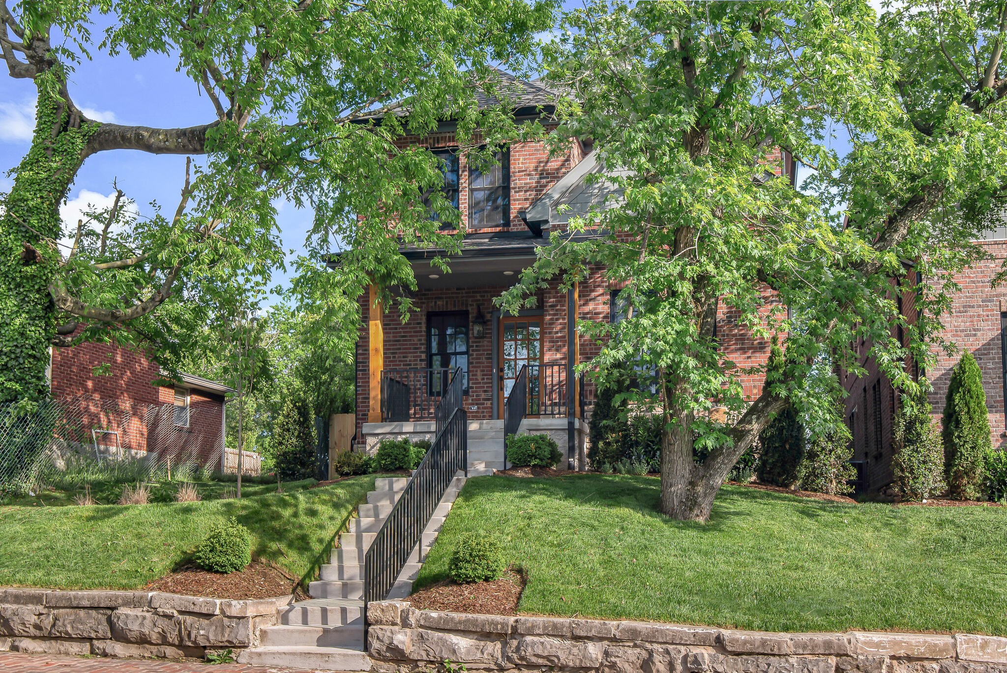 This Historic Edgefield stunner is what all new construction in a Historic Neighborhood should aspire to be. The Gourmet kitchen features an oversized island & butler's pantry. The Master Suite features two large closets and an upgraded bathroom. The office on the main level can also be a 5th bedroom with a full bathroom. The second floor features a large family room, a study nook, a second laundry room, and upper rear deck. Located in one of Nashville's most walkable historic neighborhoods.