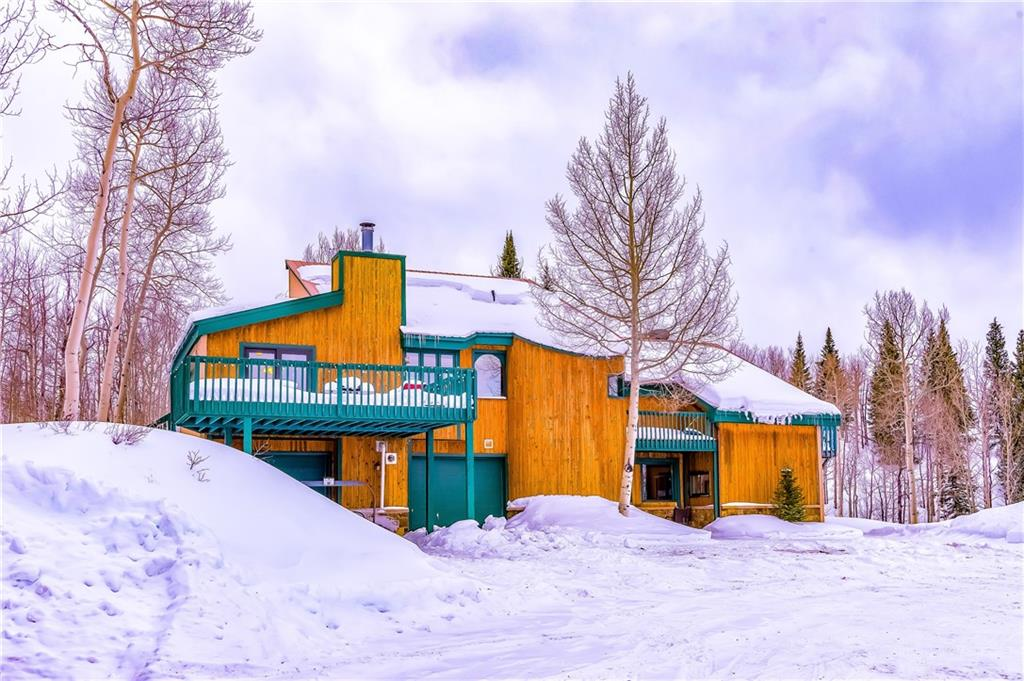 This property in Acorn Creek Ranch provides the ideal setting for the buyer looking for a home w/ acreage, views, & privacy, all w/in a few minutes of town. Walk out your door for hiking, snowshoeing, & hunting, & just outside the neighborhood's gates fishing on the Blue River. Copper & Keystone are  ~30 mins away. Ample light & full sun exposure all day. 4 bedrooms + loft. Lower level mother-in-law suite w/ its own kitchenette, bathroom, & 2 bedrooms. New septic & well within last 2 years.