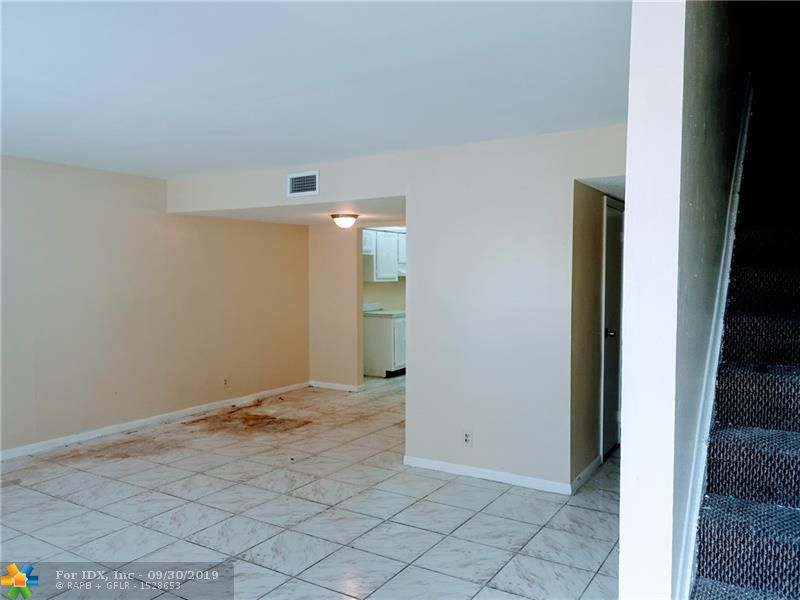 4 bedrooms 2.5 bathrooms. Huge master bedroom with its own bathroom.