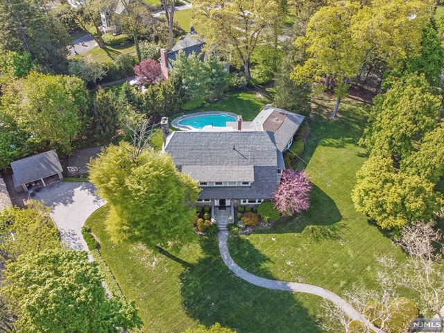 520 Heights Road, Ridgewood, NJ 07450