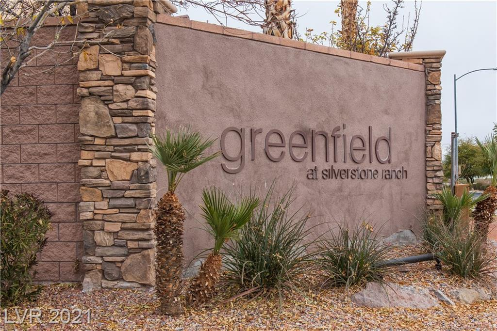 Wonderful home with brand new carpet and paint throughout on a great sized lot.  Fantastic location near great schools, parks, shopping and freeway access. Great open floorplan with lots of natural light. Neutural finishes. Don't miss this one!