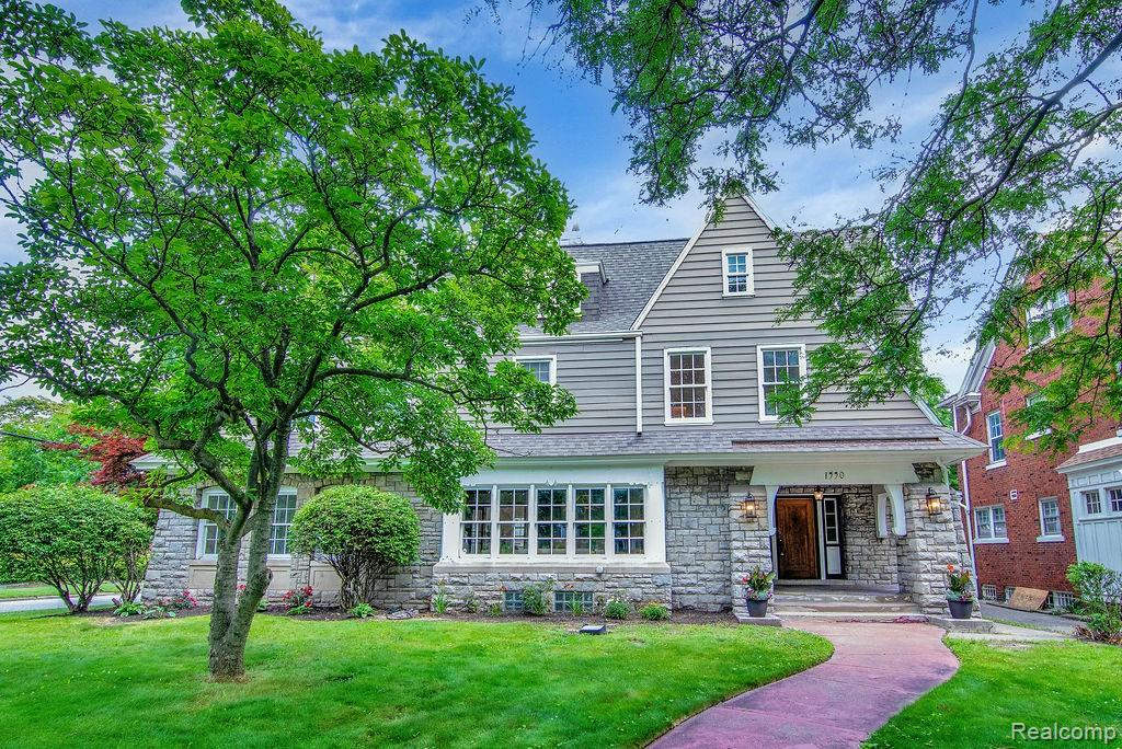 1550 West Boston is a completely renovated 5,625 SF 7 bedroom 3 1/2 bath located in the historic neighborhood of Boston Edison. Some of the unique features of this estate, not typically found in a historic Detroit home, are a oversized gourmet kitchen with breakfast area, large master suite with sitting area and walk in closet with built-ins, second floor laundry facility, enormous third floor with three bedrooms and one full bath set up for entertaining as a guest suite, large .32 acre lot with privacy fenced in back yard perfect for pets and a three car garage with unfinished carriage house that can easily be built out for a home office or rental.
