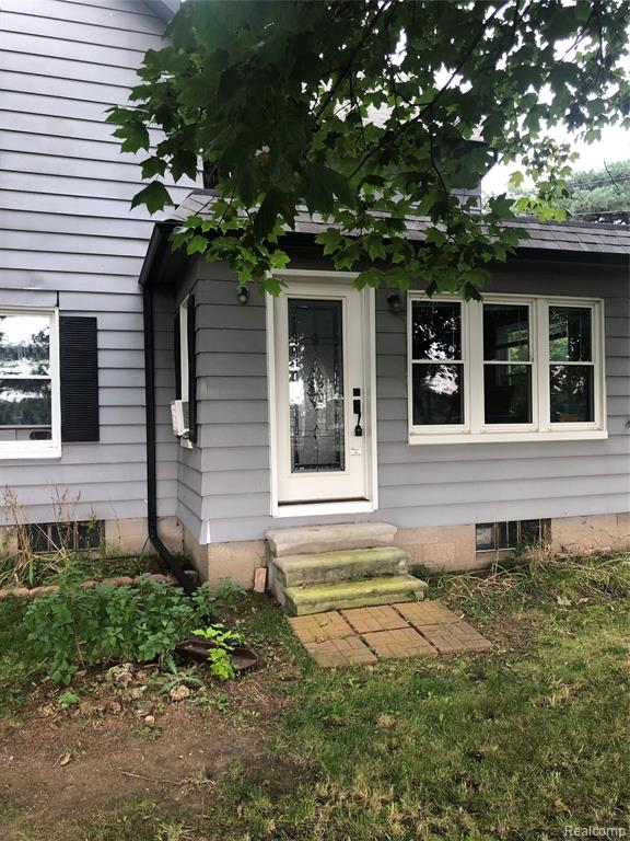 WOW! THIS LOVELY HISTORICAL HOME BUILT IN 1891 SITS ON 9.3 ACRES. 3 BDRM 1.1/2 BATH NEWLY REMODELED (2019) FARM HOUSE IS SUCH A GREAT HOUSE. IF YOU'RE A HISTORIAN THAT LIKES HISTORICAL HOMES YOU MUST SEE THIS ONE. THE LOT AND HOUSE ARE BOTH PRIVATE. THE HOUSE FEATURES A HUGE GARAGE WITH DUEL EXITS AND A CONNECTING GREENHOUSE.CLOSE TO FREEWAYS, WOODHAVEN SCHOOLS, RESTAURANTS AND SHOPPING CENTERS. LICENSED AGENT MUST BE PHYSICALLY PRESENT FOR ALL SHOWINGS, AND FOLLOW ALL COVID GUIDELINES. BUYER TO ASSUME C OF O. SEND OFFERS TO SCOTTCRAMTONREALTY@COMCAST.NET . THE LOCKBOX WILL BE ON THE BACKDOOR.  THANK YOU FOR YOUR SHOWING!!