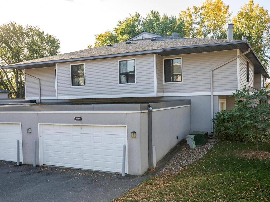 1160 Trailwood S, Hopkins, MN 55343