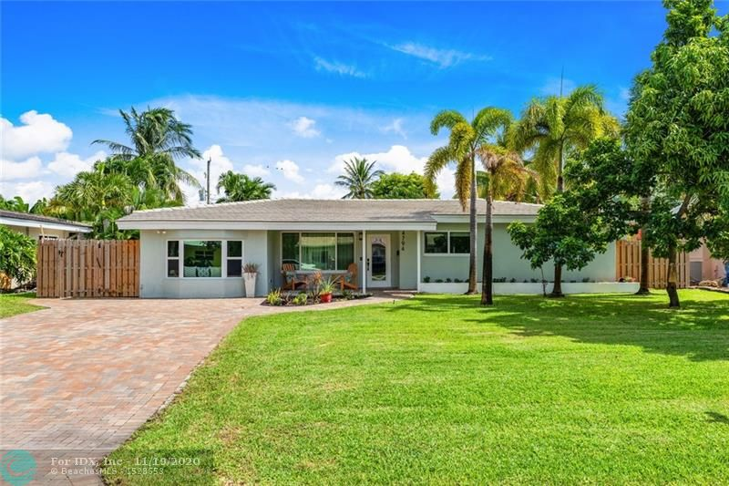 WHAT A GREAT FAMILY HOME, OPEN FLOOR PLAN, UPDATED KITCHEN OVER SIZED BACK YARD WITH A POOL AND FENCED FOR PRIVACY. OVER SIZED LAUNDRY ROOM SOLAR POWERED HOT WATER HEATER AND HEATED POOL. GREAT STREET, GREAT LOCATION TO SCHOOLS AND RESTAURANTS AND BEACH.