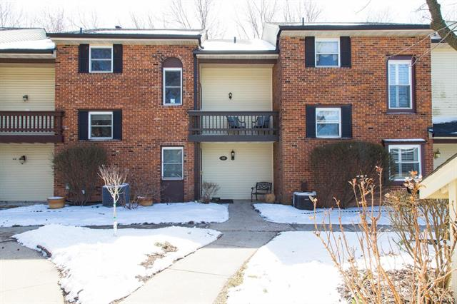 42 Conway Cove Drive, Chesterfield, MO 63017