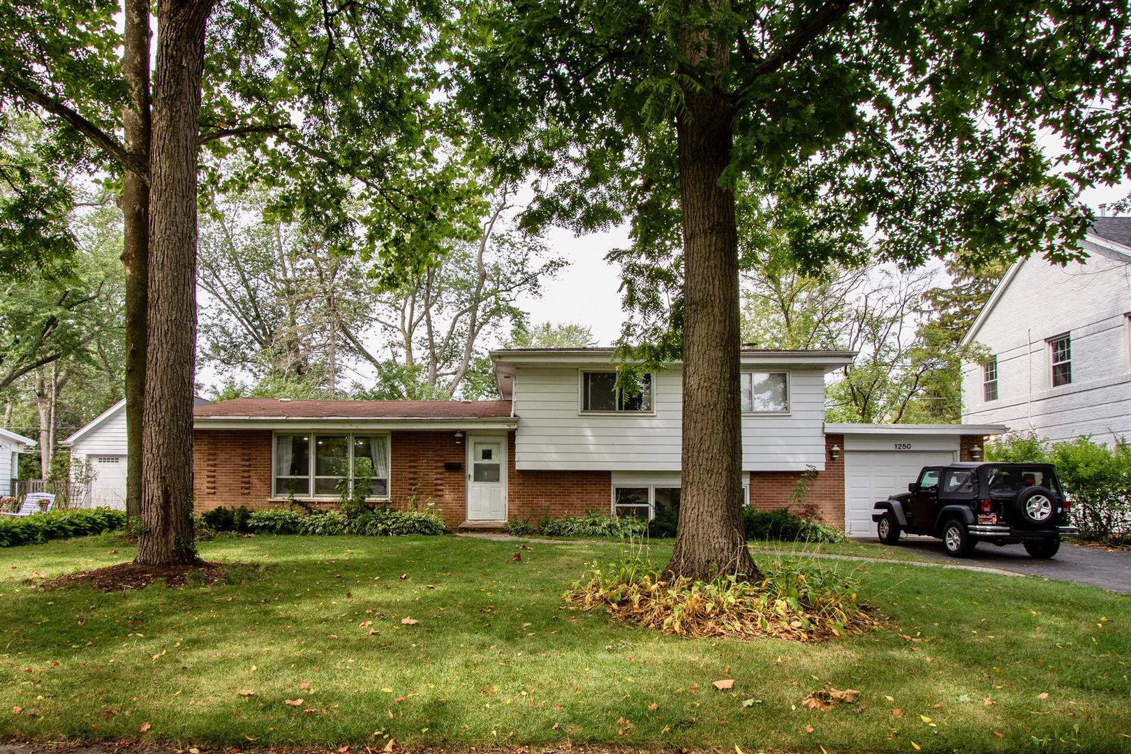 1250 Cavell Avenue, Highland Park, IL 60035