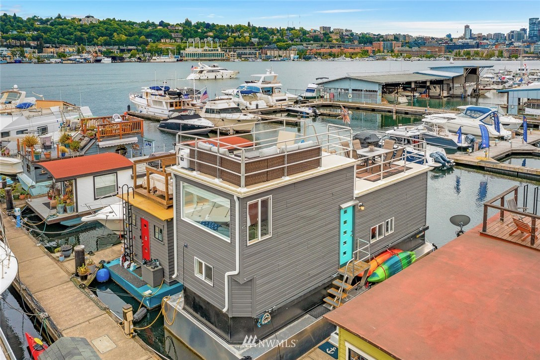 Million Dollar Views...for not a million dollars. Welcome to Swopefloats!  An absolutely turn key houseboat w/ the best moorage spot in Westlake among great neighbors. Hauled out in 2018 and replaced with a *new* aluminum hull, new railings, paint, and extensive renovations to create more interior space. The loft is your creative space to dream, read, sleep, you name it.  On the the opposite end of the houseboat is a large bedroom with excellent closet space. The kitchen is fully updated and super storage behind those awesome and ample cabinets. The living room accommodates lots of sofa seating! Saving the best for last: the rooftop is perfection. Two decks, BBQ, views, friends, sun, water, oh yes...let summer begin!
