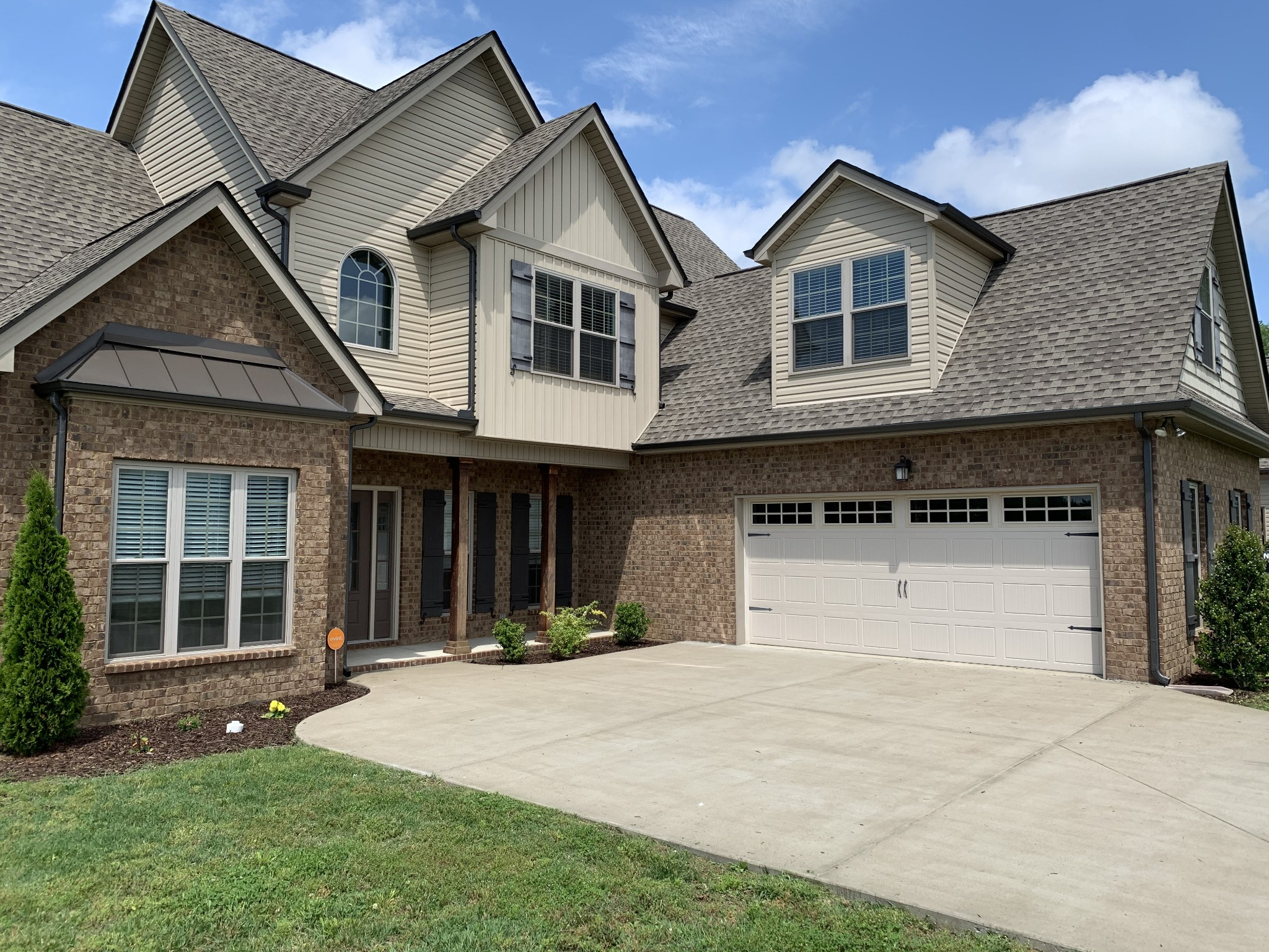 Well maintained home built in 2016. Vaulted ceilings, open floor plan and large bonus room