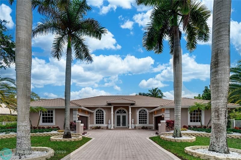 Amazing Opportunity to Purchase This Rarely Available, Single Story Custom Built Waterfront Estate Home in Fox Ridge Estates. Features Include: 4 Car Garage, 4 Bedrooms + Custom Office with BuiltIns, 4 Full Bathrooms, Wet Bar & Custom Built In Wine Room, Master Bedroom has Large Sitting Area, 2 Walk In Closets & 2 Separate Full Bathrooms (One featuring a Roman Tub),Triple Split floorplan with a perfect private in/law suite, Fully Fenced Yard With Pool & Spa, Covered Patio with Summer Kitchen & BBQ, And So Much More!
