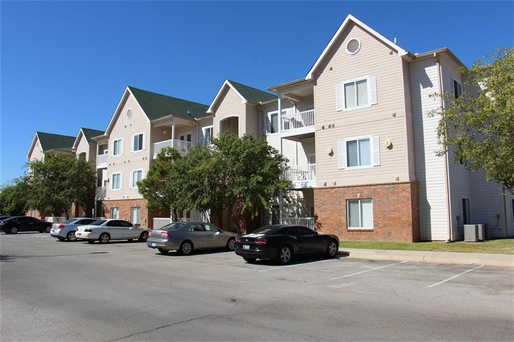 Great opportunity for this 2 Bed / 2 Bath Condo located blocks from OU & set up perfectly for Student Living or great Investment Property. Each bedroom contains their own private Bath & Walk-In Closet. Open living room open giving it an extra spacious feeling in the main area. All appliances are included in Unit. Complex is resort style and includes Pool / Fitness Room / Basketball & Volleyball Courts. Unit is located on the 2nd floor of building #11.