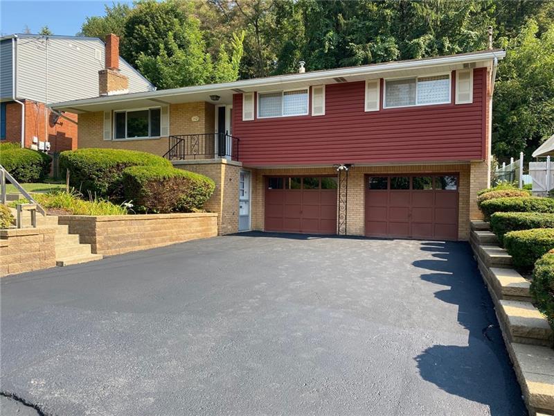 142 Castle Drive, Penn Hills, PA 15235