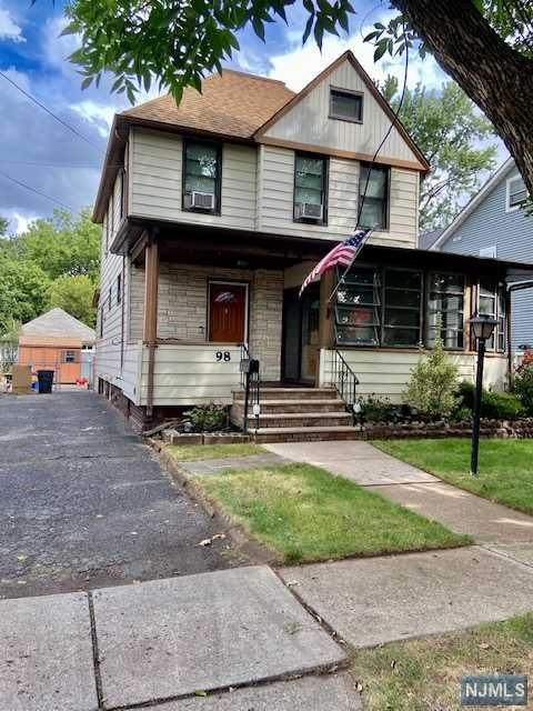 Classic side hall colonial featuring 3 bedrooms, den, a bath an a half. conveniently located, close to transportation, school, stores and worship