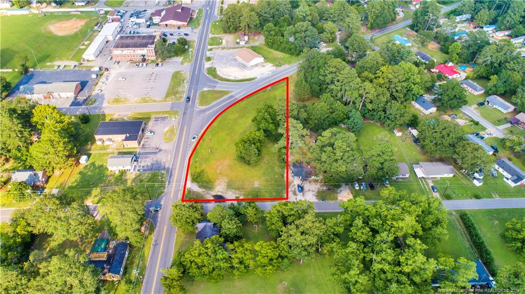 This lot is almost 1 acre, and is in the perfect location! High visibility close to anything in downtown Raeford. Why lease, when you can purchase and have equity with lots of future potential!