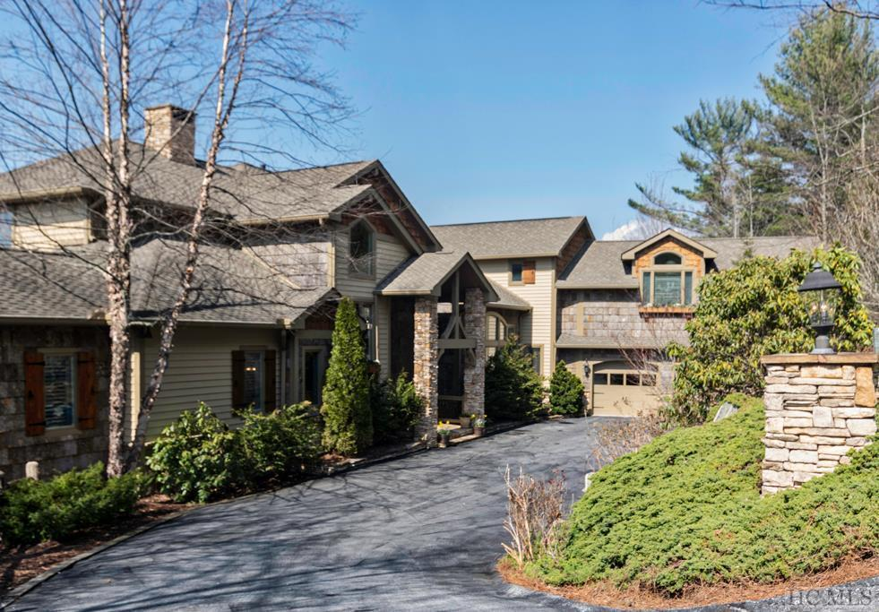381 Round Top Mountain Road, Sapphire, NC 28774