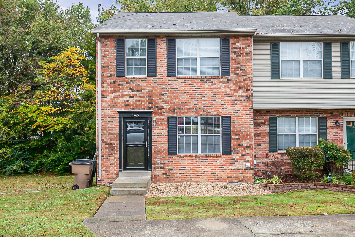 This Nashville cul-de-sac home has two stories. This home is vacant and cleaned regularly.