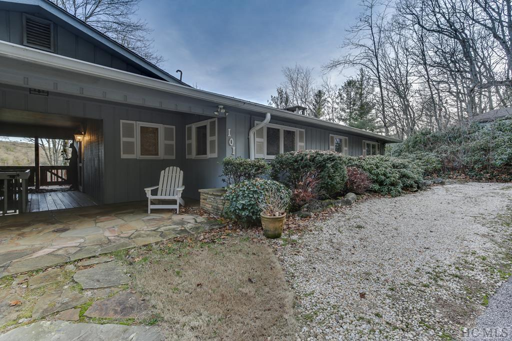101 Locust Lane, Highlands, NC 28741